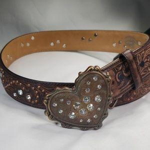 Justin rinestone heart leather belt, sz 30